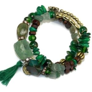Jewelry - Bohemian Green Stone Beaded Wrap Coil Bracelet